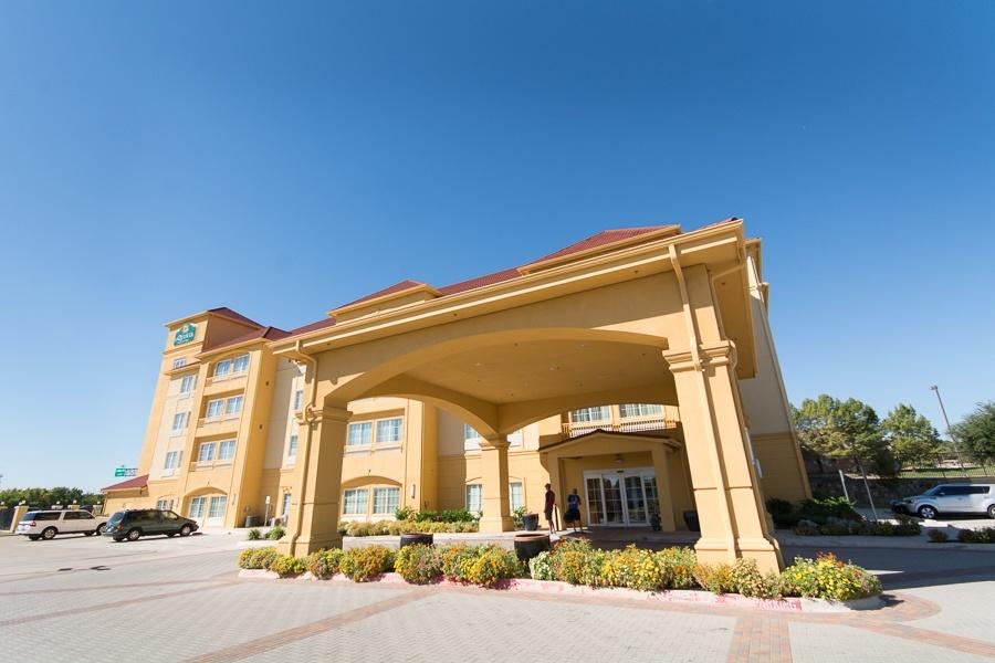 La Quinta hotel entrance
